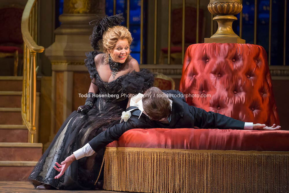 11/11/15 1:31:13 PM -- <br /> The Lyric Opera of Chicago Presents<br /> &quot;The Merry Widow&quot;<br /> Renee Fleming<br /> <br /> &copy; Todd Rosenberg Photography 2015