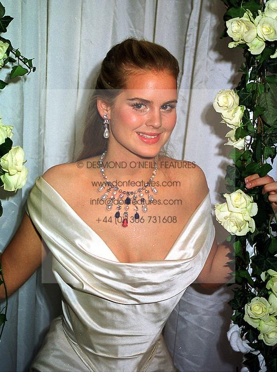 MISS ALICE FERGUSON half sister of Sarah, Duchess of York, at a dinner in London on 21st October 1999.MYA 56