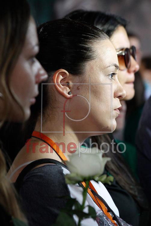 Varios preparativos e missa em homenagem aos proficionais de imprensa na Arena Condá, em Chapecó (SC), nesta sexta-feira 2, para o velório coletivo da delegação da Chapecoense que foram vítimas do acidente aéreo ocorrido na última terça-feira 29, em Medellín, na Colômbia. Foto Marcelo D. Sants/FramePhoto.