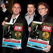 NLD/Amsterdam/201001211 - CD presentatie Jurk van Jeroen van Koningsbrugge en Dennis van der Ven, met  Beau van Erven Dorens