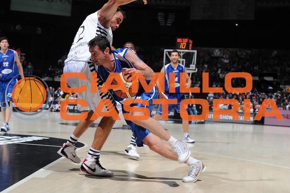 DESCRIZIONE : Bologna Lega A 2009-10 Basket Virtus Bologna Martos Napoli<br /> GIOCATORE : Dimitrios Tsaldaris<br /> SQUADRA : Martos Napoli<br /> EVENTO : Campionato Lega A 2009-2010<br /> GARA : Virtus Bologna Martos Napoli<br /> DATA : 25/10/2009<br /> CATEGORIA : penetrazione<br /> SPORT : Pallacanestro<br /> AUTORE : Agenzia Ciamillo-Castoria/M.Marchi