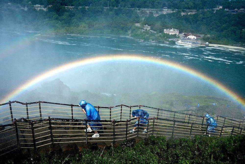 Tourists, Niagara Falls. Niagara Falls, NY