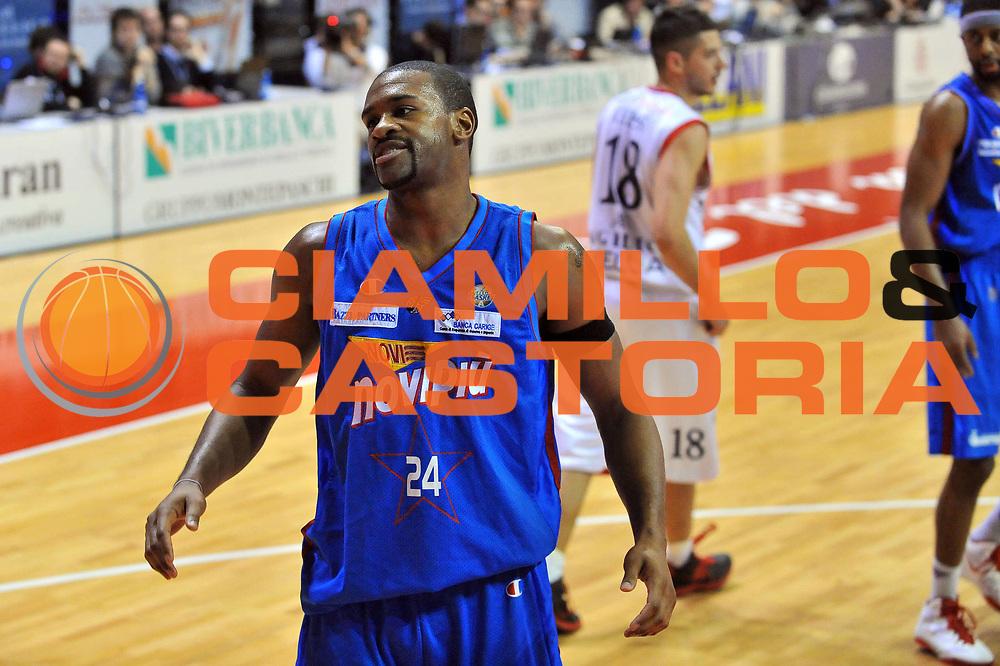 DESCRIZIONE : Biella Lega A 2011-12 Angelico Biella Novipiu Casale Monferrato<br /> GIOCATORE : Ricky Minard<br /> CATEGORIA : Delusione<br /> SQUADRA : Novipiu Casale Monferrato<br /> EVENTO : Campionato Lega A 2011-2012<br /> GARA : Angelico Biella Novipiu Casale Monferrato<br /> DATA : 21/04/2012<br /> SPORT : Pallacanestro<br /> AUTORE : Agenzia Ciamillo-Castoria/S.Ceretti<br /> Galleria : Lega Basket A 2011-2012<br /> Fotonotizia : Biella Lega A 2011-12 Angelico Biella Novipiu Casale Monferrato<br /> Predefinita :