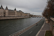 14 Ottobre 2015 Sicurezza a Parigi: Il giorno dopo gli attentati.