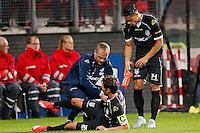 ALKMAAR - 26-09-2015, AZ - Heracles Almelo, AFAS Stadion, 3-1, Heracles Almelo speler Mark Jan Fledderus valt geblesseerd uit.