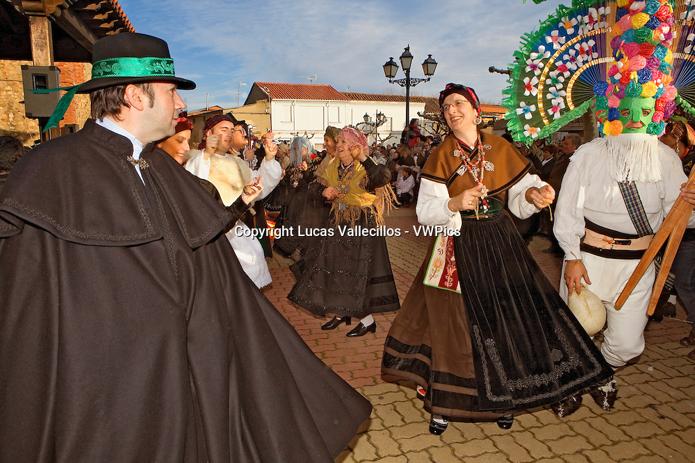 Antruejo (Carnival).Dancing. Llamas de la Ribera. León. Castilla y León. Spain