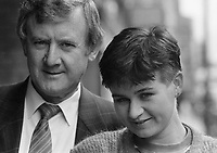 689-45<br /> Niall Tóibín with his daughter. June 1989. (Part of the Independent Newspapers/NLI Collection)