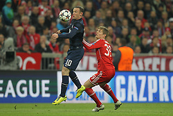 09.04.2014, Allianz Arena, Muenchen, GER, UEFA CL, FC Bayern Muenchen vs Manchester United, Viertelfinale, Rueckspiel, im Bild l-r: im Zweikampf, Aktion, mit Wayne Rooney #10 (Manchester United) und Toni Kroos #39 (FC Bayern Muenchen) // during the UEFA Champions League Round of 8, 2nd Leg match between FC Bayern Muenchen and Manchester United at the Allianz Arena in Muenchen, Germany on 2014/04/09. EXPA Pictures &copy; 2014, PhotoCredit: EXPA/ Eibner-Pressefoto/ Kolbert<br /> <br /> *****ATTENTION - OUT of GER*****