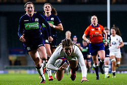 Jess Breach of England Women scores a try - Mandatory by-line: Robbie Stephenson/JMP - 16/03/2019 - RUGBY - Twickenham Stadium - London, England - England Women v Scotland Women - Women's Six Nations
