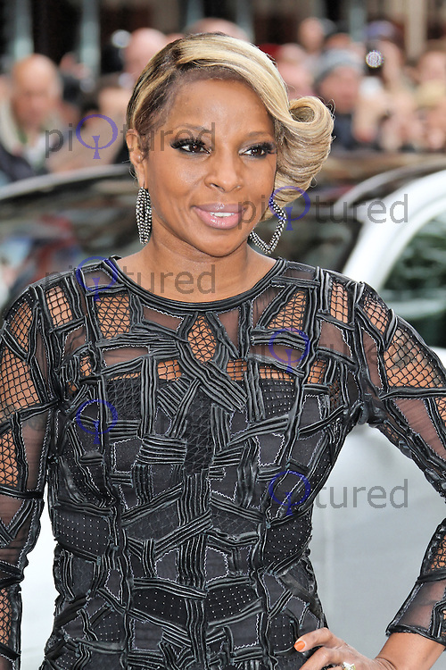 LONDON - JUNE 10:  Mary J Blige attends the European Film Premiere of 'Rock Of Ages' at the Odeon Cinema, Leicester Square, London, UK. June 10, 2012. (Photo by Richard Goldschmidt)