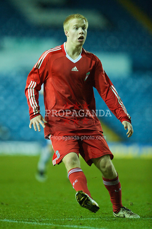 LEEDS, ENGLAND - Tuesday, December 2, 2008: Liverpool's Lauri Dalla Valle in action against Leeds United during the FA Youth Cup 3rd Round at Elland Road. (Photo by David Rawcliffe/Propaganda)