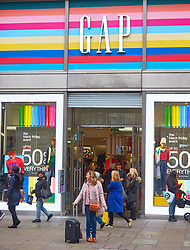 © Licensed to London News Pictures. 23/11/2018. LONDON, UK.  Shoppers in Oxford Street on Black Friday. In this picture: Gap.  Photo credit: Cliff Hide/LNP