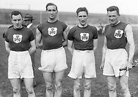 H916 Aonach Tailteann Athletics - Croke Park. 4 Irish athletes. From left: J.V. Connell, M. Greegan, P.O. Moore and S. Lavan winners of the 800 meters relay race.<br /> 19/8/1928. (Part of the Independent Newspapers Ireland/NLI Collection)