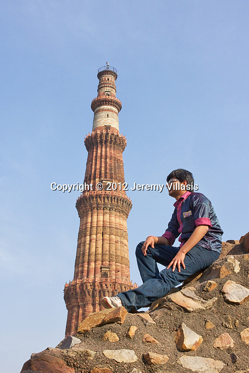 The 72.5 meter high red sandstone tower of Qutb Minar is the tallest minaret in India. Surrounded by several other ancient structures and ruins, the UNESCO World Heritage Site is collectively known as the Qutb Complex.