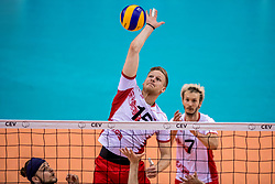 27-05-2017 NED: 2018 FIVB Volleyball World Championship qualification day 4, Apeldoorn<br /> Oostenrijk - Nederland / Nicolai Granuleer #15