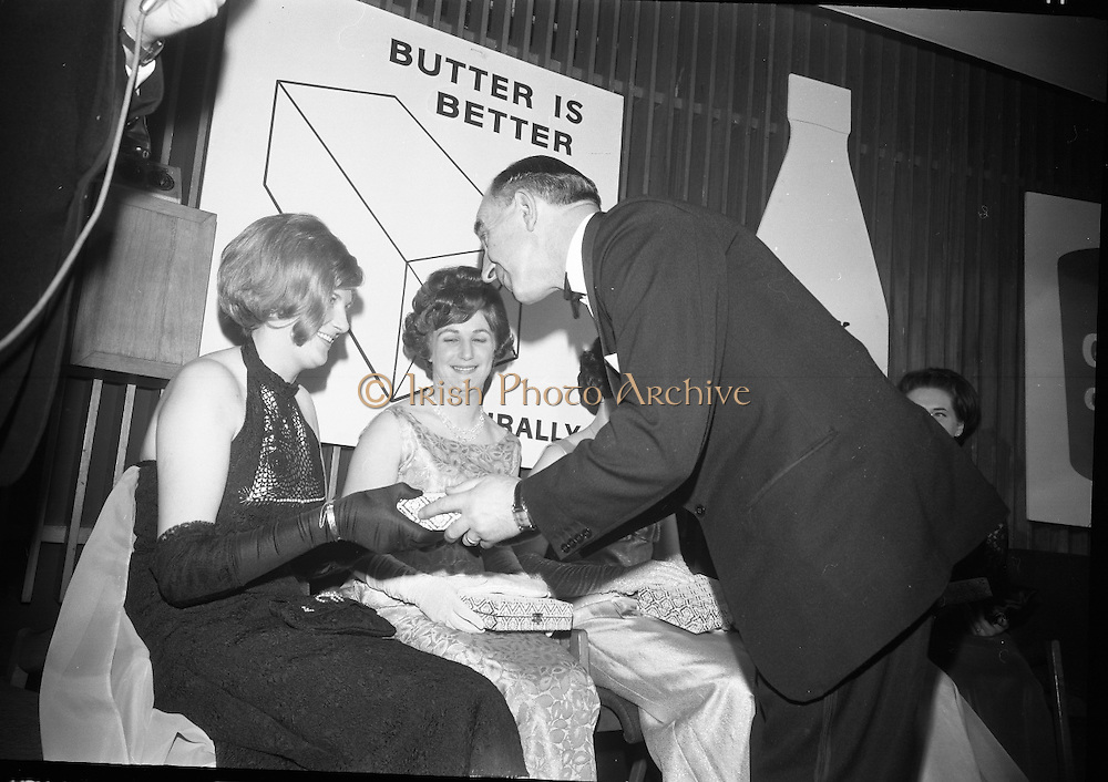 Dairy Queen of Ireland Crowned. The competitors are Geraldine Coogan (winner), Florance Cash, Esther Jordan, Margaret McMullen, Linda McNamee and Marie O'Malley..20.01.1966