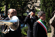 Roma 19 Luglio 2010..67.mo anniversario delle incursioni aeree americane nel quartiere San Lorenzo a Roma, commemorate le 1.674 vittime che le bombe alleate fecero solo a San Lorenzo  durante la II guerra mondiale. Il Sindaco di Roma Gianni Alemanno.Rome July 19 th 2010 .67.mo anniversary of the American aerial raids in the district  San Lorenzo in Rome, commemorates the 1.674 victims that the allied bombs did only to San Lorenzo during the II World War.