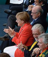 FUSSBALL WM 2014  VORRUNDE    Gruppe G     Deutschland - Portugal              16.06.2014 Bundeskanzlerin Angela Merkel freut sich nach dem 1:0. FIFA Praesident Joseph S. Blatter wirkt eher emotional eher neutral.