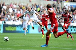 Swansea City's Jonjo Shelvey shoots at goal. - Photo mandatory by-line: Alex James/JMP - Mobile: 07966 386802 30/08/2014 - SPORT - FOOTBALL - Swansea - Liberty Stadium - Swansea City v West Brom - Barclays Premier League