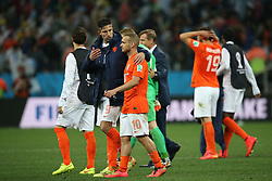 09.07.2014, Arena de Sao Paulo, Sao Paulo, BRA, FIFA WM, Niederlande vs Argentinien, Halbfinale, im Bild Robin Van Persie (left) and Wesley Schneider (right) leave the field // during Semi Final match between Netherlands and Argentina of the FIFA Worldcup Brazil 2014 at the Arena de Sao Paulo in Sao Paulo, Brazil on 2014/07/09. EXPA Pictures © 2014, PhotoCredit: EXPA/ Eibner-Pressefoto/ Cezaro<br /> <br /> *****ATTENTION - OUT of GER*****