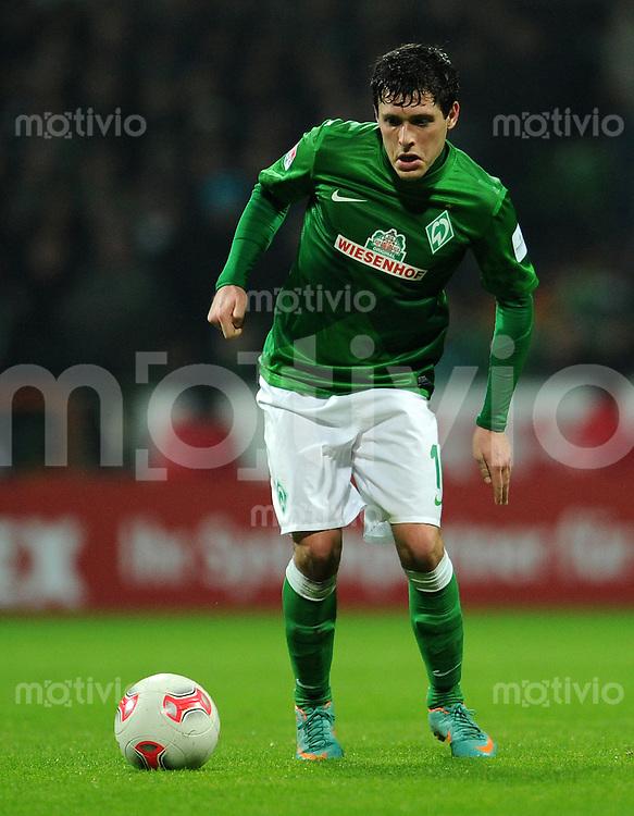 FUSSBALL   1. BUNDESLIGA    SAISON 2012/2013    14. Spieltag   SV Werder Bremen - Bayer 04 Leverkusen                28.11.2012 Zlatko Junuzovic (SV Werder Bremen)  Einzelaktion am Ball