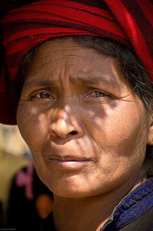 — In Myanmar, over 160 ethnic minority groups live  side by side. The Bamar (Burmese) people comprise the largest group, and the Shan, the second largest.