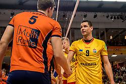 19-02-2017 NED: Bekerfinale Draisma Dynamo - Seesing Personeel Orion, Zwolle<br /> In een uitverkochte Landstede Topsporthal wint Orion met 3-1 de bekerfinale van Dynamo / Renzo Verschuren #9 of Dynamo