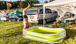 08.07.2017, Red Bull Ring, Spielberg, AUT, FIA, Formel 1, Grosser Preis von Österreich, Qualifying, im Bild Campingplatz, ein Fan springt in ein Planschbecken // Campsite a Fan jump into a Pool After the Qualifying of the Austrian FIA Formula One Grand Prix at the Red Bull Ring in Spielberg, Austria on 2017/07/08. EXPA Pictures © 2017, PhotoCredit: EXPA/ JFK