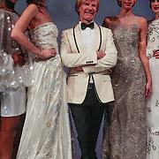 NLD/Amsterdam/20121111 - Celebrationshow Addy van den Krommenacker, Addy van den Krommenacker met zijn modellen