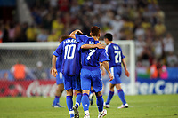 "(L to R) '†'ºr•ã/ Shunsuke Nakamura (JPN), <br /> '†""c‰pŽõ/Hidetoshi Nakata (JPN),<br /> JUNE 22, 2005 - Football : FIFA Confederations Cup Germany 2005-Group B- between Japan 2-2 Brazil in at the FIFA World Cup Stadium, Cologne, Cologne, Germany. <br /> (Photo by AFLO SPORT/Digitalsport<br /> Norway only"
