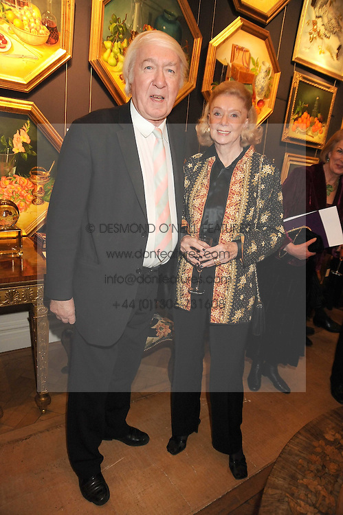 ANDREW & SONIA SINCLAIR at an exhibition of Countess Flamburiari's paintings entitled 'Come to the Circus' held at Partridges Fine Art, Bond Street, London on 2nd December 2008.