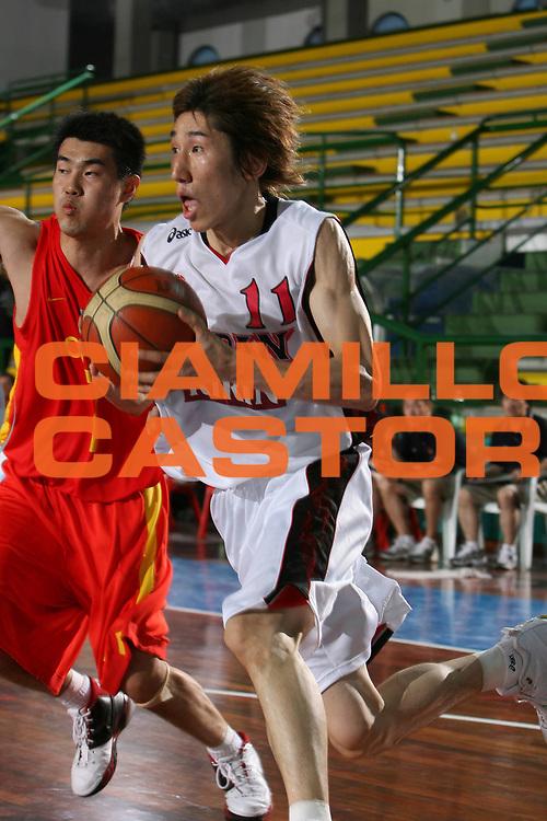 DESCRIZIONE : San Benedetto del Tronto Torneo Internazionale dell'Adriatico Giappone-Cina Japan-China<br /> GIOCATORE : Tomoo Amino<br /> SQUADRA : Japan Giappone<br /> EVENTO : San Benedetto del Tronto Torneo Internazionale dell'Adriatico Giappone-Cina<br /> GARA : Giappone Cina Japan China<br /> DATA : 01/07/2006 <br /> CATEGORIA : Penetrazione<br /> SPORT : Pallacanestro <br /> AUTORE : Agenzia Ciamillo-Castoria/E.Castoria