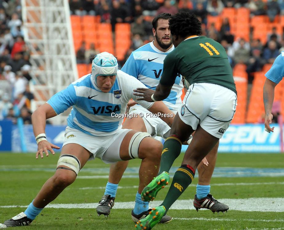 RUGBY CHAMPIONSHIP 2012 - <br /> LOS PUMAS (Argentina) 16 Vs. South Africa (16)<br /> Estadio Ciudad de Mendoza / Mendoza - Argentina - August 25, 2012<br /> Here Lwazi Mvovo (R) and Patricio Albacete (L)<br /> &copy; PikoPress
