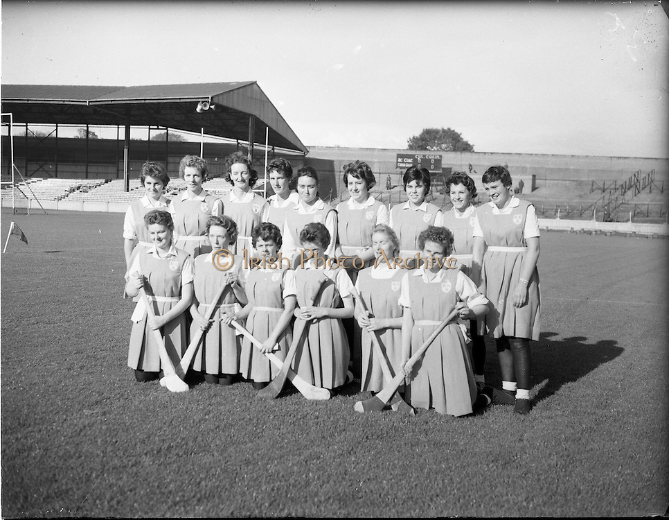 08/10/1961<br /> 10/08/1961<br /> 08 October 1961<br /> All Ireland Camogie Final at Croke Park, Dublin. Tipperary v Dublin. The Dublin team.