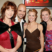 NLD/Amsterdam/20091023 - Uitreiking Televizierring 2009, Peter Post en partner met collega acteurs