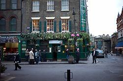 UK ENGLAND LONDON 1DEC11 - The Market Porter pub opposite Borough Market in Southwark, London.....jre/Photo by Jiri Rezac....© Jiri Rezac 2011
