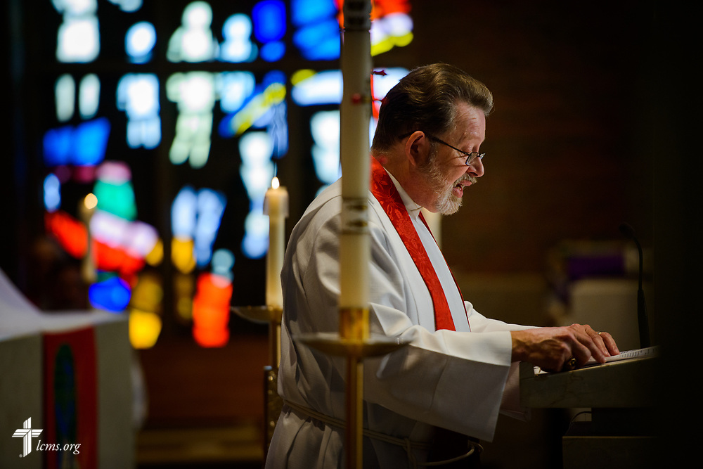 The Rev. Larry Peters, a writer and member of the LCMS Commission on Constitutional Matters, reads at the opening Divine Service in the Chapel of Our Lord during the 2017 Institute on Liturgy, Preaching and Church Music on Tuesday, July 25, 2017, on the campus of Concordia University Chicago in River Forest, Ill. LCMS Communications/Erik M. Lunsford