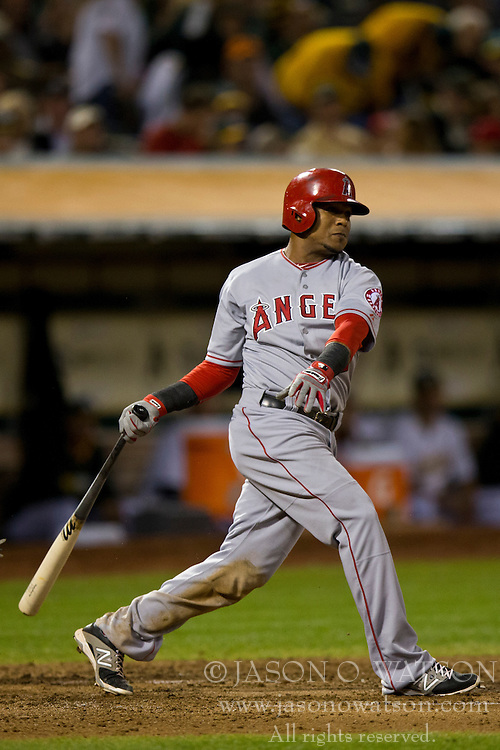 OAKLAND, CA - SEPTEMBER 23:  Erick Aybar #2 of the Los Angeles Angels of Anaheim at bat against the Oakland Athletics during the fourth inning at O.co Coliseum on September 23, 2014 in Oakland, California. The Los Angeles Angels of Anaheim defeated the Oakland Athletics 2-0.  (Photo by Jason O. Watson/Getty Images) *** Local Caption *** Erick Aybar