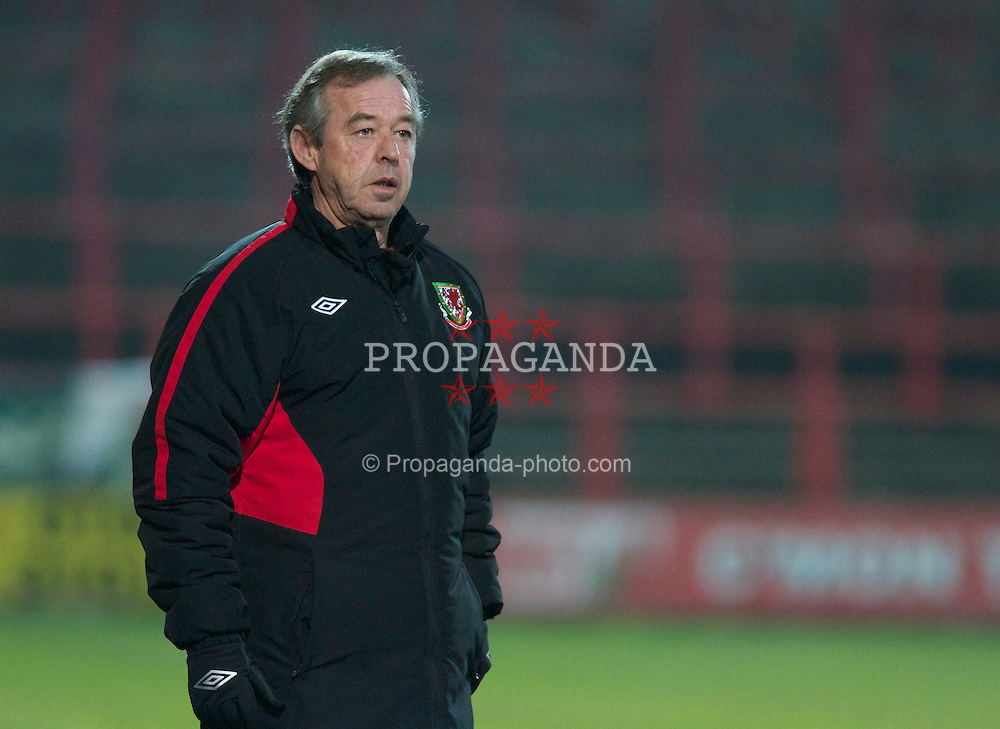 WREXHAM, WALES - Wednesday, February 9, 2011: Wales' manager Brian Flynn during the Under-21 International Friendly match against Northern Ireland at the Racecourse Ground. (Photo by Vegard Grott/Propaganda)
