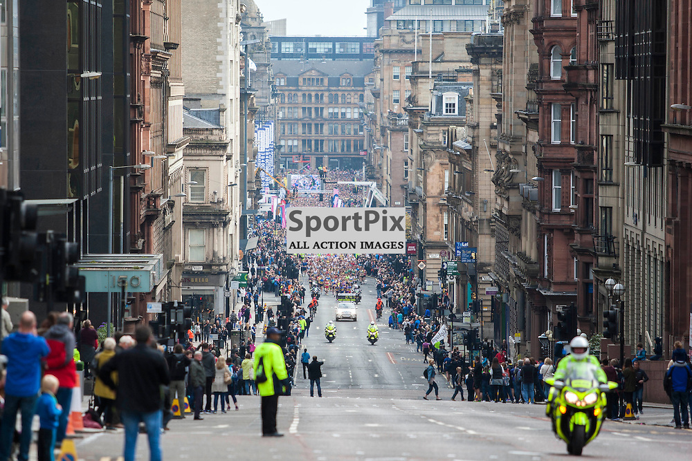 The Great Scottish Run Half Marathon in Glasgow on 04 October 2015<br /><br />Runners begin the half marathon from George Square, running up St Vincent Street.<br /><br /><br />(c) Russell G Sneddon / SportPix.org.uk