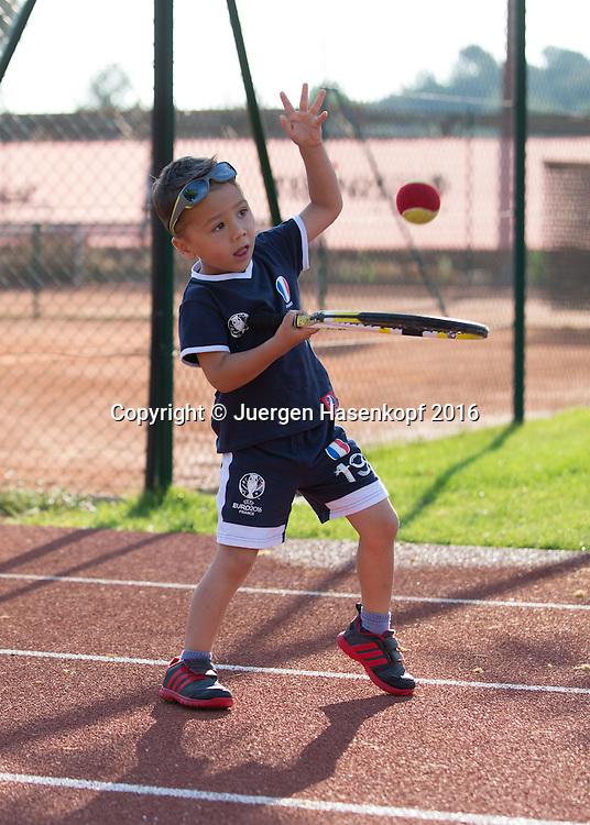 Mouratoglou Tennis Academy M.T.A Sophia Country Club, Biot, FRA.<br /> <br />  - Mouratoglou Tennis Academy  -  -   Sophia Country Club, - Biot -  - Frankreich  - 27 July 2016. <br /> &copy; Juergen Hasenkopf