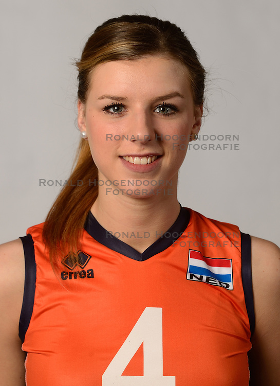 07-04-2014 NED: SELECTIE JONG ORANJE: ARNHEM<br /> Volleybalteam Jong Oranje / Britt Bongaerts<br /> &copy;2014-FotoHoogendoorn.nl