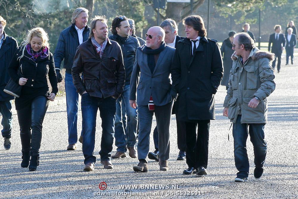 NLD/Amsterdam/20120127 - Uitvaart Jeroen Soer, margje Teeuwen en partner Rob Stenders, Ferry Maat, Erik de Zwart en Jeroen van Inkel