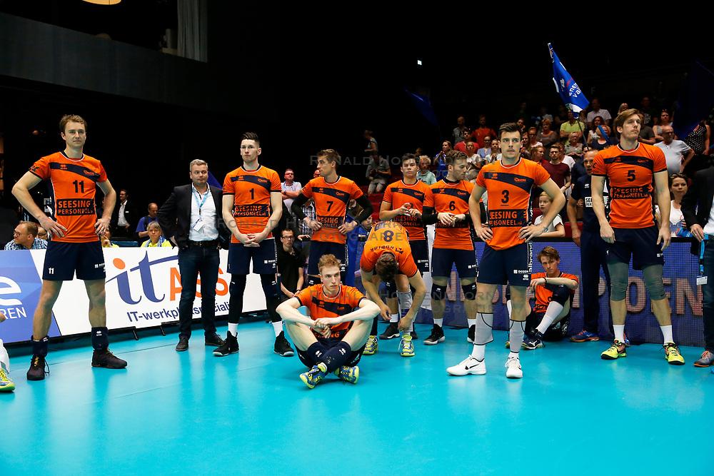 20180506 NED: Eredivisie Abiant Lycurgus - Seesing Personeel Orion, Groningen<br />Teleurstelling bij spelers Seesing Personeel Orion<br />©2018-FotoHoogendoorn.nl