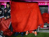 FUSSBALL   1. BUNDESLIGA  SAISON 2012/2013   9. Spieltag FC Bayern Muenchen - Bayer 04 Leverkusen    28.10.2012 Diego Contento, Anatoliy Tymoshchuk , Anatoli Timoschtschuk und Arjen Robben (v. li., FC Bayern Muenchen) auf der Ersatzbank
