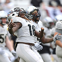 ORLANDO, FL - NOVEMBER 11: Shaquem Griffin #18 of the UCF Knights screams during warmup prior to a NCAA football game between the University of Connecticut Huskies and the UCF Knights on November 11, 2017 in Orlando, Florida. (Photo by Alex Menendez/Getty Images) *** Local Caption *** Shaquem Griffin
