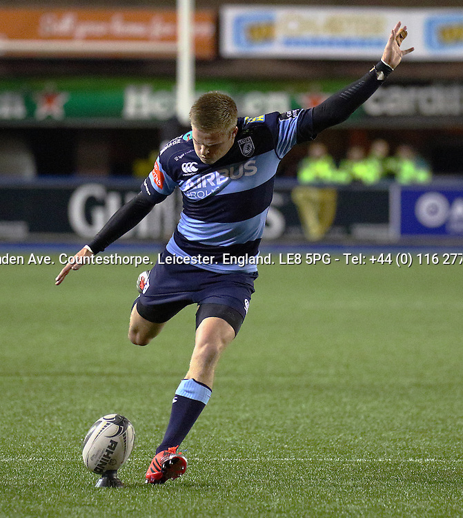 Guinness PRO12, BT Sport Cardiff Arms Park, Wales 19/12/2014<br /> Cardiff Blues vs Scarlets<br /> Cardiff Blues' Gareth Anscombe kicks his side's third penalty<br /> Mandatory Credit &copy;INPHO/Simon King