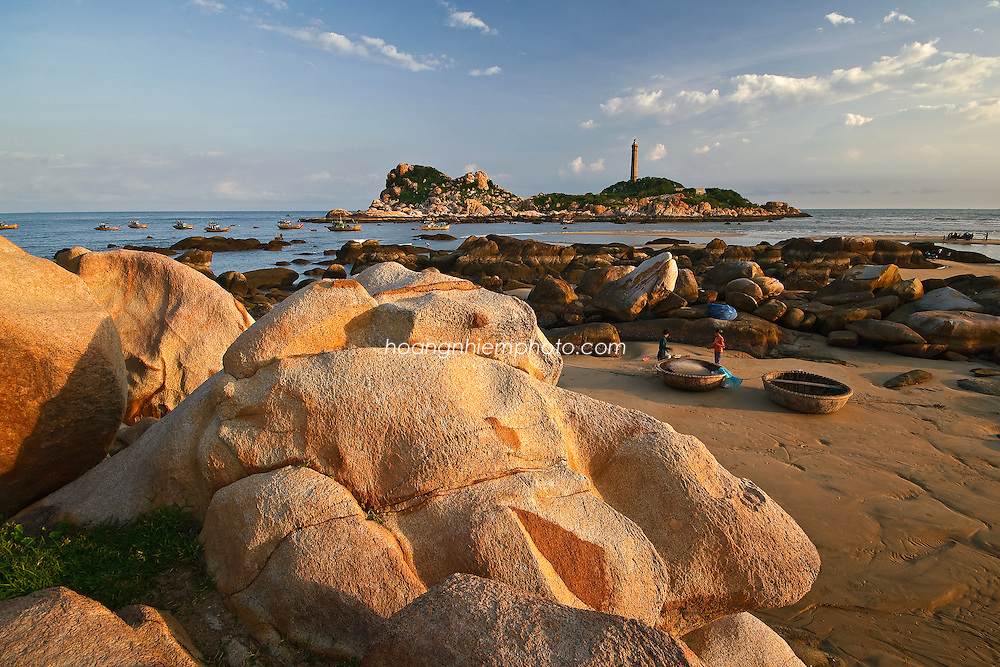 Vietnam images-Seascape-nature-lighthouse-Phan Thiet hoàng thế nhiệm