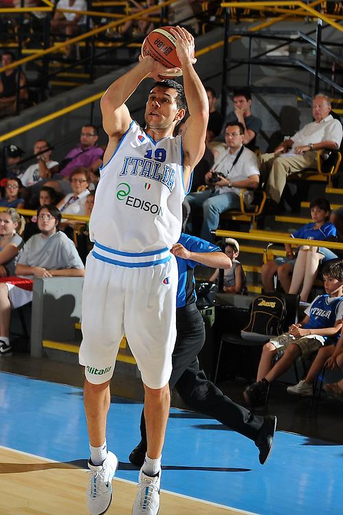 DESCRIZIONE : Bormio Torneo Internazionale Diego Gianatti Italia Iran<br /> GIOCATORE : Marco Carraretto<br /> SQUADRA : Nazionale Italia Uomini <br /> EVENTO : Torneo Internazionale Guido Gianatti<br /> GARA : Italia Iran<br /> DATA : 11/07/2010 <br /> CATEGORIA : tiro<br /> SPORT : Pallacanestro <br /> AUTORE : Agenzia Ciamillo-Castoria/GiulioCiamillo<br /> Galleria : Fip Nazionali 2010 <br /> Fotonotizia : Bormio Torneo Internazionale Diego Gianatti Italia Iran<br /> Predefinita :