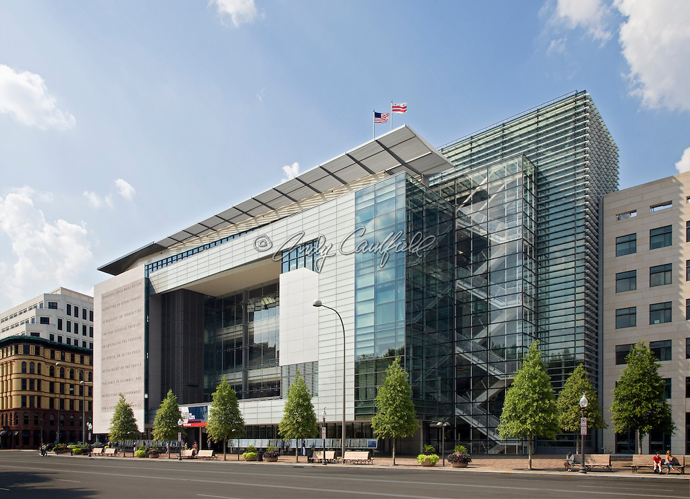 Newseum Building, 555 Pennsylvania Ave, N.W. Washington D.C..Design by Polshek Partnership Architects.